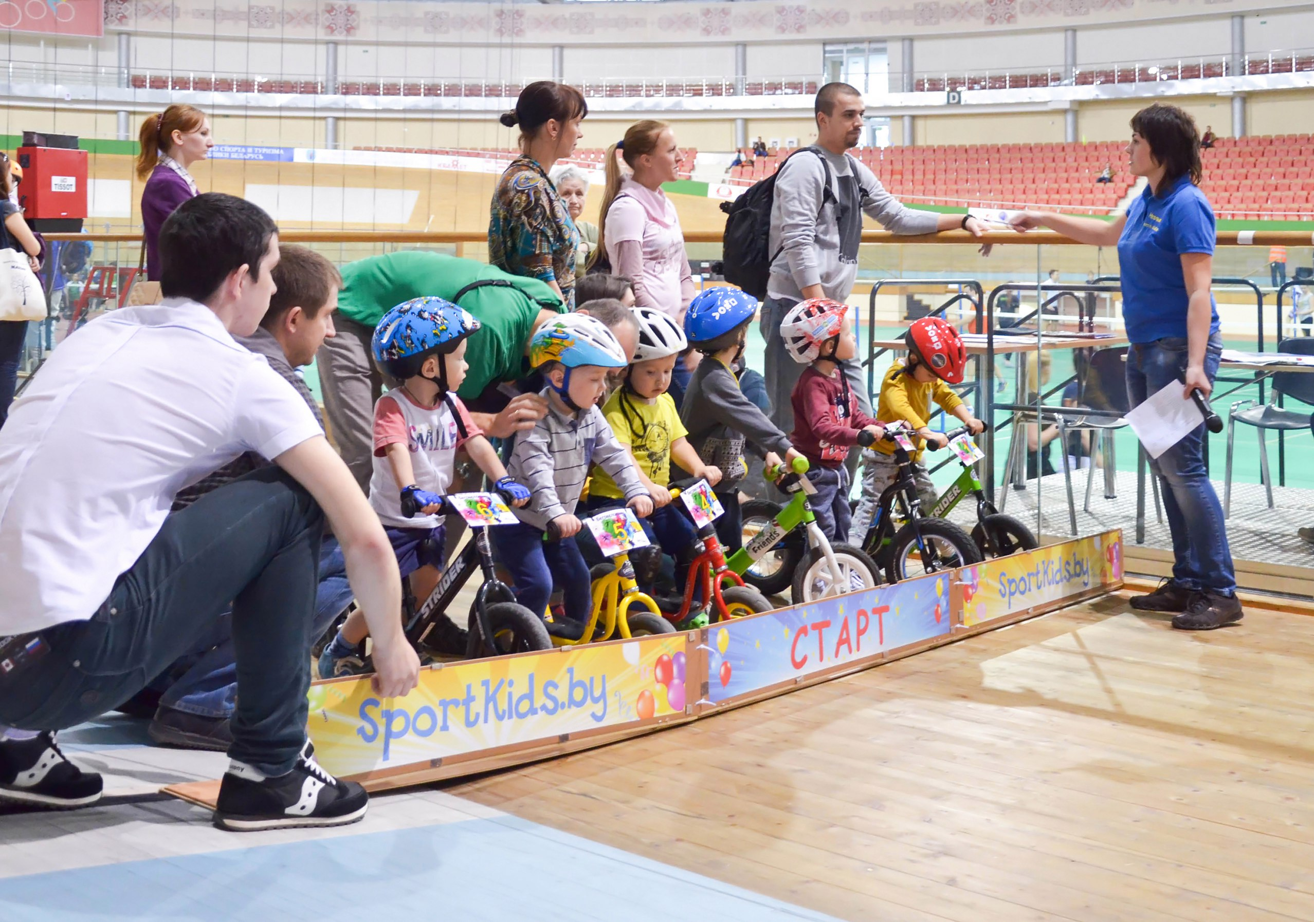 Беговелогонка на велотреке